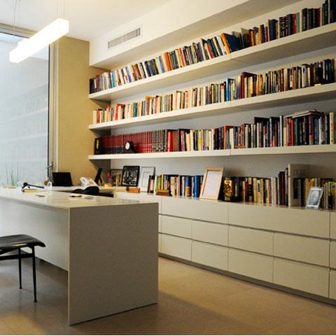 ספריה עם ארון