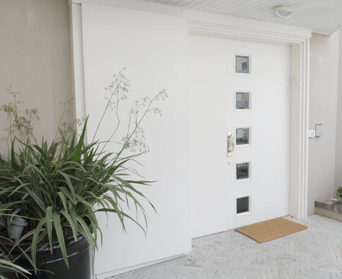 דלת חיצונית 1