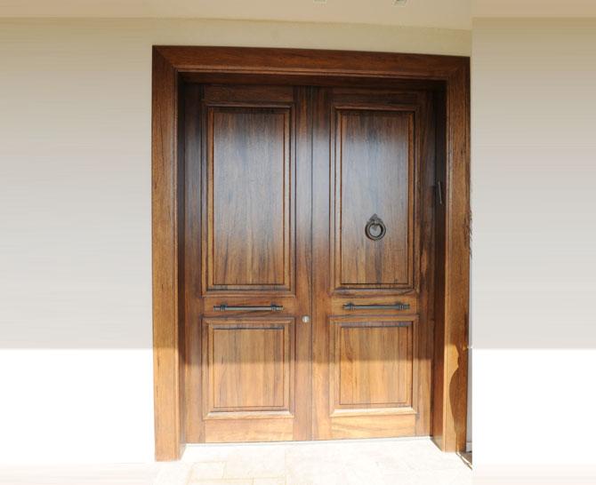 דלת חיצונית 13