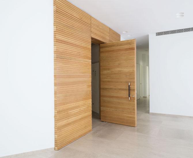 דלת חיצונית 4