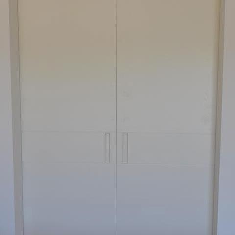 ארון קיר שתי דלתות