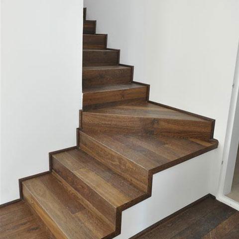 מדרגות פינה