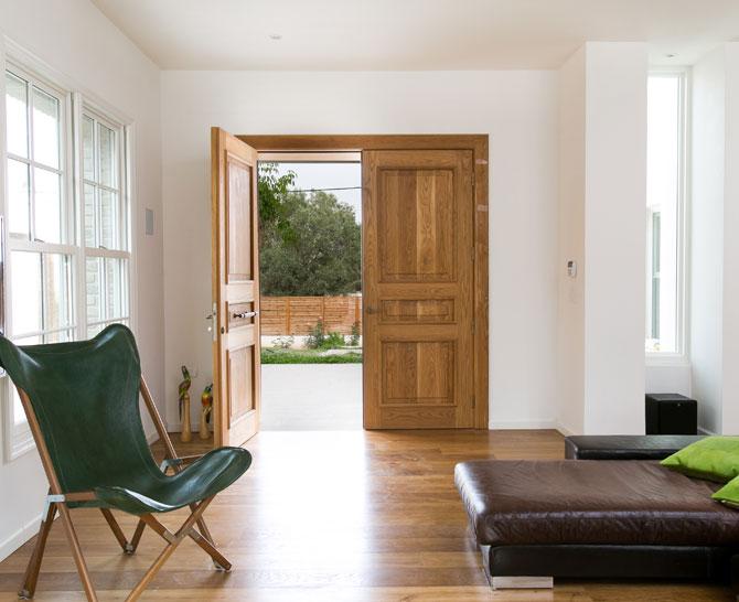 דלת חיצונית 18 קטן